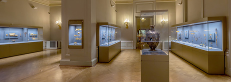 The Hermitage is resuming guided tours of the Diamond Rooms
